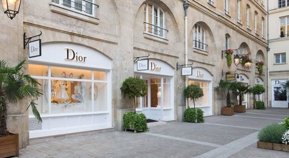 Dior opens in Paris new Dior Baby and Dior Kids store