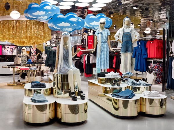 748944c4 Following the openings of Arket and Weekday on London's Regent Street in  August, parent company H&M has announced plans to open two new Monki stores,  ...